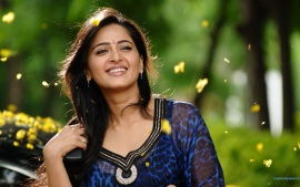 Anushka Shetty Smiling Pose