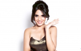 cute smiling richa chadda latest picture6