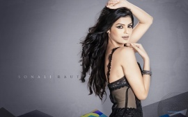 hot sonali raut bold in black outfit1