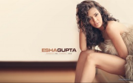 indian actress esha gupta new wallpaper