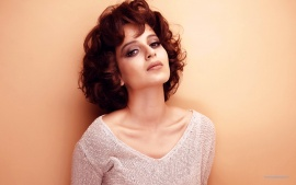Kangana Ranaut Blonde Indian Girl New Hd Wallpaper (click to view)