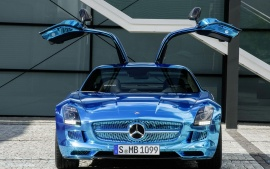 mercedes benz coupe electric