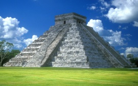 Pyramid of Kukulkбn, Chichen Itza, Yucatan Peninsula, Mexico