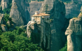 Roussanou Monastery, Meteora, Greece (click to view)