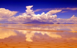 Salar de Uyuni Salt pan Reflection