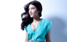Shruti Haasan In Race Gurram Movie