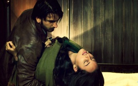 Sonakshi Sinha And Ranveer Singh  Romance (click to view)