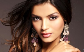 sonali raut gorgeous face of bollywood movies