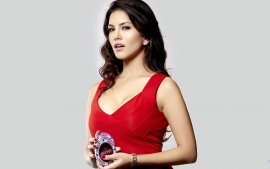 Sunny Leone Indian Girl In Red Dress